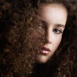 curly-hair-beauty-fashion-model-PUDWPRR-min