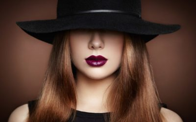 fashion-photo-of-young-magnificent-woman-in-hat-P8EXLYD-min