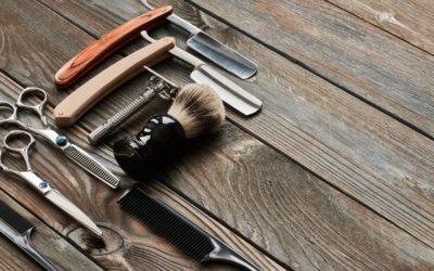 vintage-barber-shop-tools-on-wooden-background-PUKT683-min